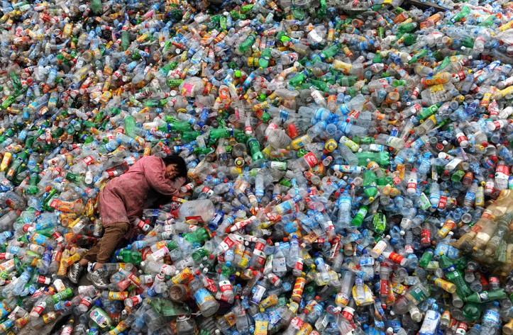 Soft drinks bottles pollution